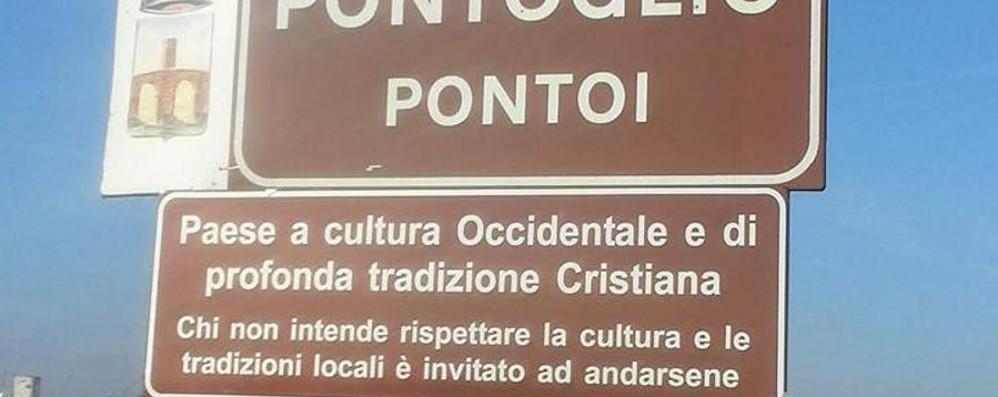 I cartelli di Pontoglio, altolà del prefetto «Vanno tolti, non sono in regola»