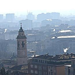 L'Epifania anche lo smog si porta via Crollano i valori delle polveri sottili