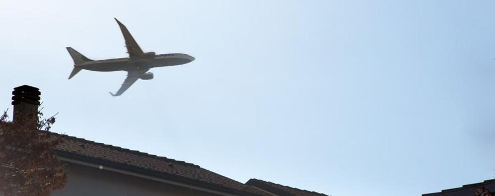 «Non c'è solo lo smog delle auto» Il Comitato aeroporti: attenzione ai voli