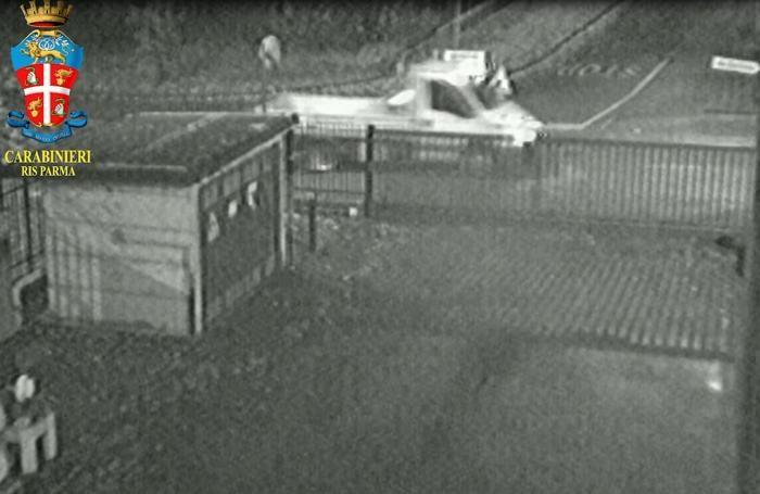 Fermo immagine del presunto furgone di Massimo Bossetti