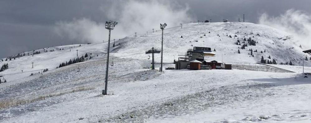 Da giovedì nuova ondata di maltempo E al Pora c'è già il primo sciatore - video