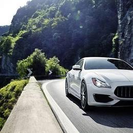 Maserati e il lago d'Iseo, che spettacolo Al Bögn per lanciare il nuovo gioiello