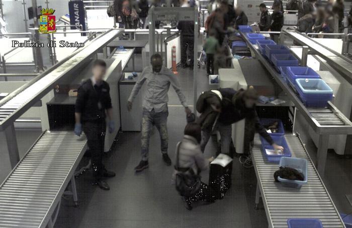 Ali Awil Khadar all'aeroporto di Roma