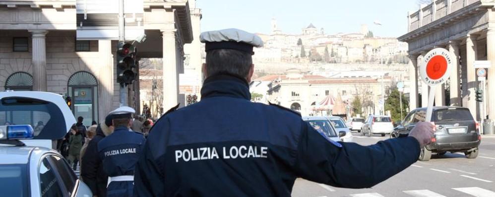 Sicurezza, un osservatorio con i cittadini Per il 2017 5 nuovi agenti di Polizia locale