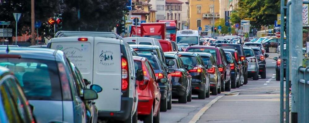 Borgo Palazzo, traffico e lamentele Ora le code, prima 70 incidenti – Mappa