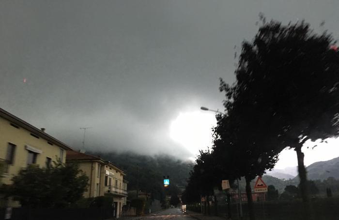 Il nubifragio a Sarnico