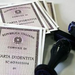 Basta file per la carta d'identità Dal 1° novembre si può prenotare