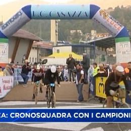 Casazza pedala con i campionissimi del ciclismo