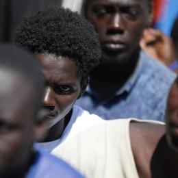Le Caritas della Lombardia «Immigrazione, così non va»