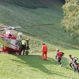 Adrara San Rocco, scivola in un burrone Volo di 10 metri, muore 33enne