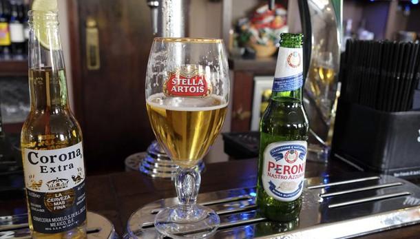 Movida, a Pisa stop vendita birra fredda