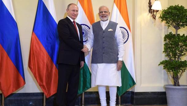 Putin, Russia non interferisce voto Usa