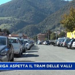 Gazzaniga, il sindaco Merelli sul tram delle valli
