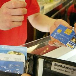 In volo con carte di credito rubate Otto denunce, una a Bergamo