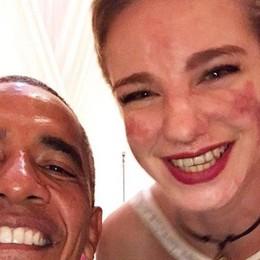 Niente è impossibile, parola di Bebe Il protocollo salta per il selfie con Obama