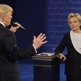 Hillary vola ma gli Usa voteranno con il dubbio