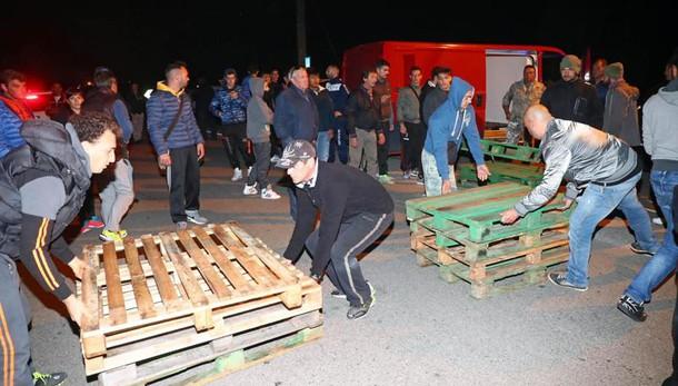Barricate: diocesi, notte ripugnante