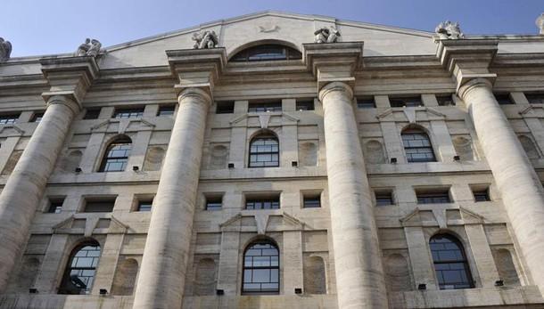 Borsa: Milano apre a -0,08%