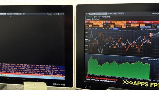 Borsa: Milano chiude in calo, -0,44%