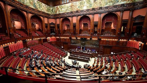 Costi politica: ddl torna in commissione