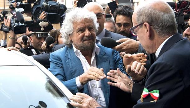 Grillo, Papa contento stipendi più bassi