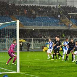 Pescara-Atalanta 0-1, decide Caldara Terremoto, i tifosi chiedono stop della gara