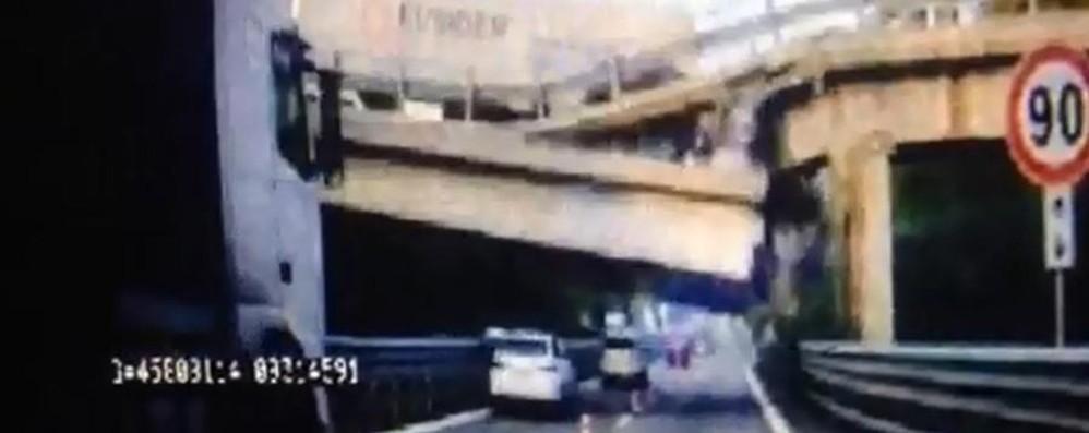 Ecco il video del ponte che crolla Duello Anas-Provincia sulle colpe