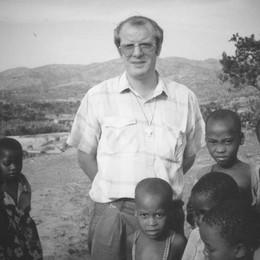 Padre Pulcini, 40 anni di sacerdozio «Attendo giustizia per le 3 suore uccise»