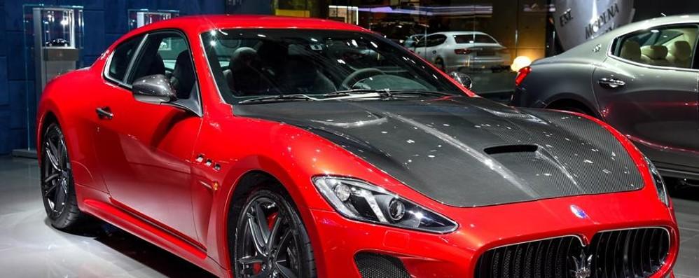 Parigi, Maserati schiera tutte le sue supercar