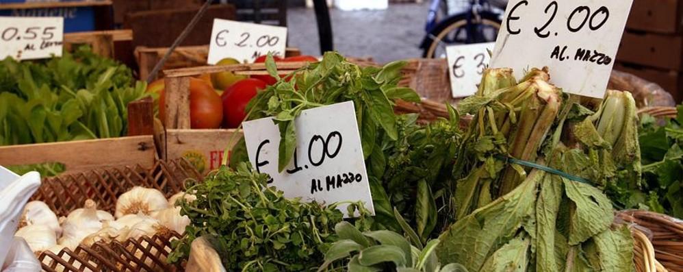 A Bergamo inflazione in calo Cibo e vacanze più convenienti