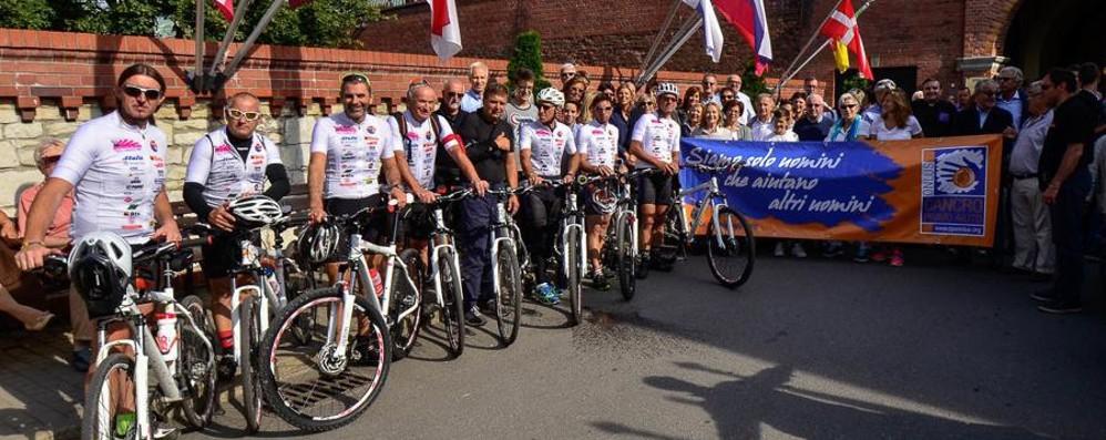 In bici a Czestochowa contro il tumore Raccolti fondi per le cure a Bergamo