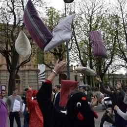Mika invita tutti in Piazza Vecchia Il 13 ottobre un mega pigiama party