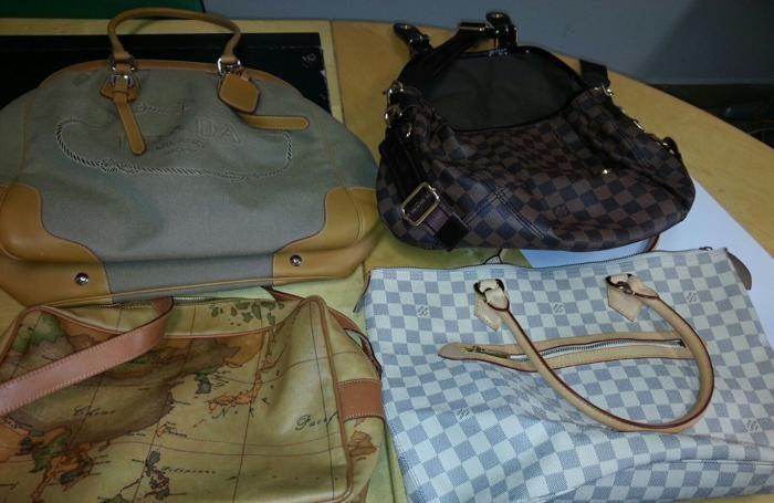 Le borse ritrovate e anch'esse di provenienza furtiva