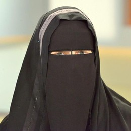 In Comune col Niqab Multa di 30mila euro