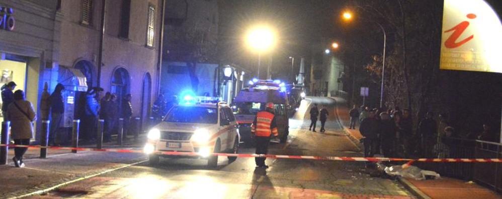 Auto investe tre donne a Olmo, una muore Dopo la tragedia il paese è sotto shock