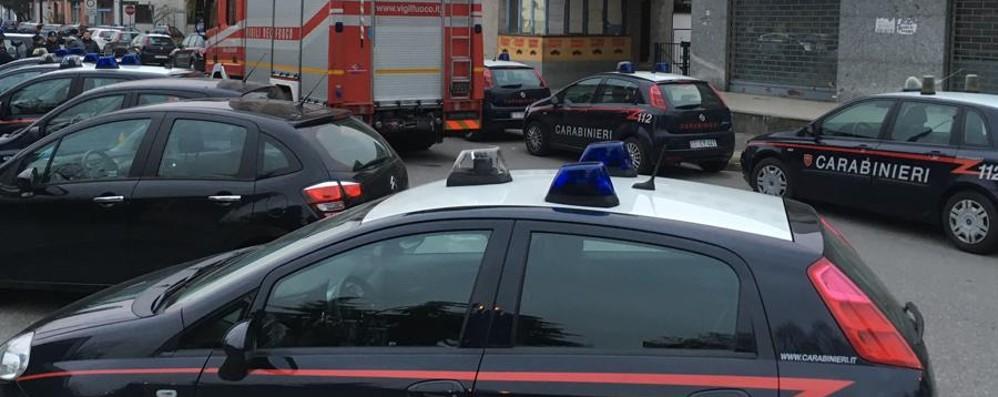 Armi e droga nei «palazzi dello spaccio» A Zingonia 150 carabinieri in azione