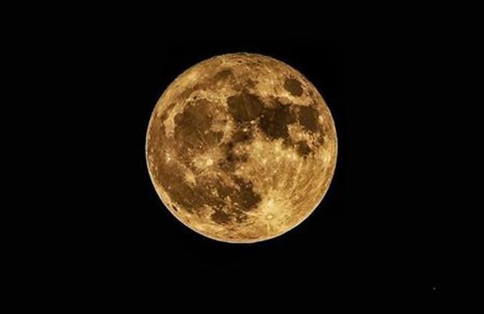 La Luna di Andrea Pontiggia