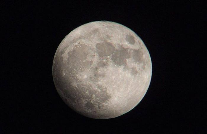 La Luna di Marco Cassotti