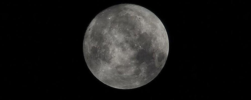 Ecco la tanto attesa «Super Luna» Mandaci la tua foto e scopri qui gli scatti