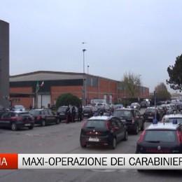 Zingonia, maxi-operazione dei carabinieri contro droga e traffico d'armi