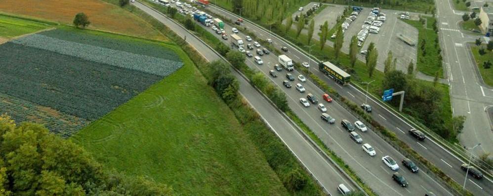 Incidente sull'Asse interurbano Traffico in tilt da Orio a Treviolo