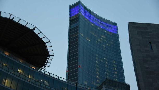 Rissa sotto grattacielo Lombardia,feriti