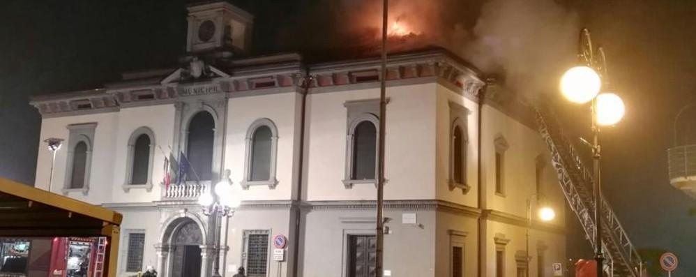 San Pellegrino, brucia il Comune Ecco il video dei danni, ingenti
