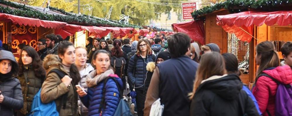 Villaggio di Natale, si parte Tra colori, festa e sapori - Foto e Video