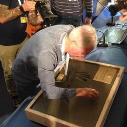Bozzetto premiato al Lucca Comics Le sue mani nella storia (e nel cemento)