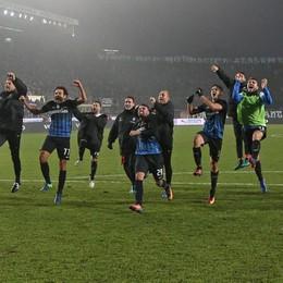 L'Atalanta non fa la stupida, Roma ko La freddezza di Kessié dal dischetto: 2-1
