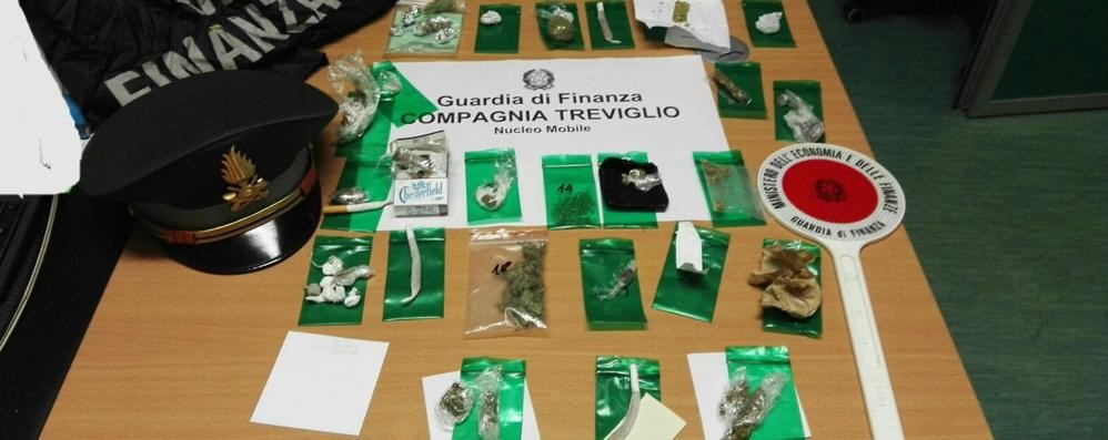 Osio Sopra, droga in tasca per la disco   Scatta blitz: 25 giovanissimi nei guai