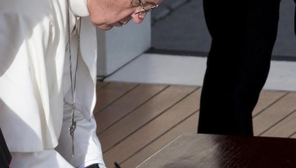 Papa, tutti preti assoluzione aborto