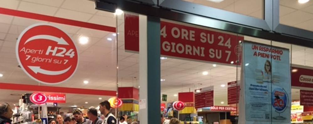 A Bergamo supermercati aperti H24 La Cisl  «Successo o fuoco di paglia » 8c3f8ba67d0
