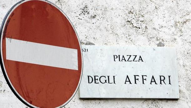 Borsa: Europa contrastata, male Milano